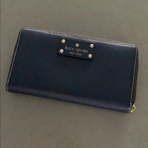 Navy Kate Spade Zippered Wallet